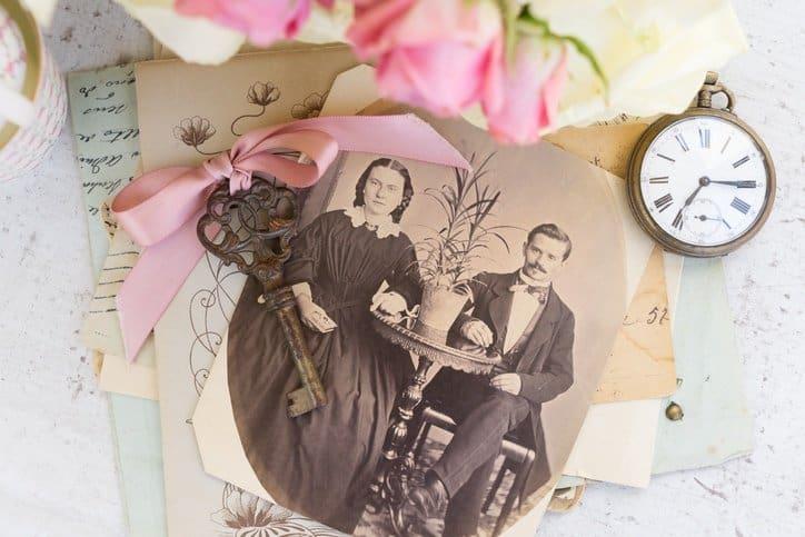sentimental items declutter, memorabilia declutter