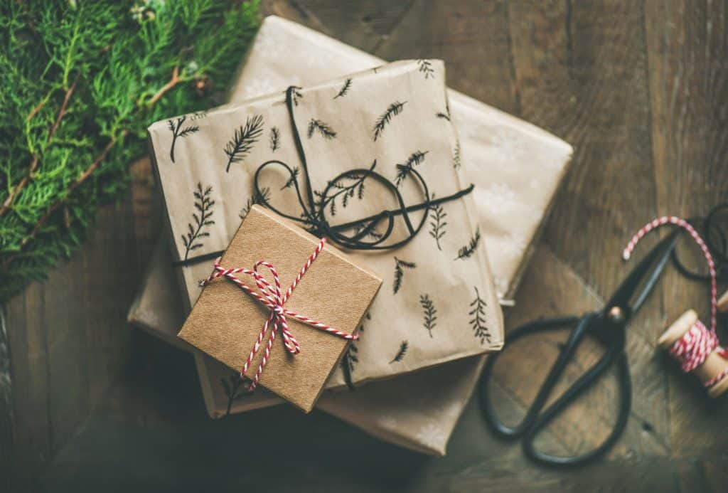 sustainable gifts with sustainable wrapping